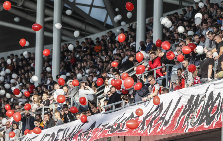 Apklan Resovia Rzeszów bliska niespodzianki w Pucharze Polski. Przegrała jednak z Lechią Gdańsk 1:3 ---> RELACJA
