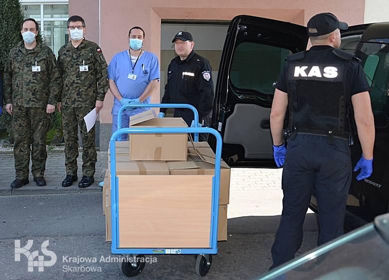 Aż 300 litrów spirytusu pochodzącego z przestępstwa zamiast do zniszczenia trafiło do dwóch bydgoskich szpitali jako środek do dezynfekcji.  - Nielegalny
