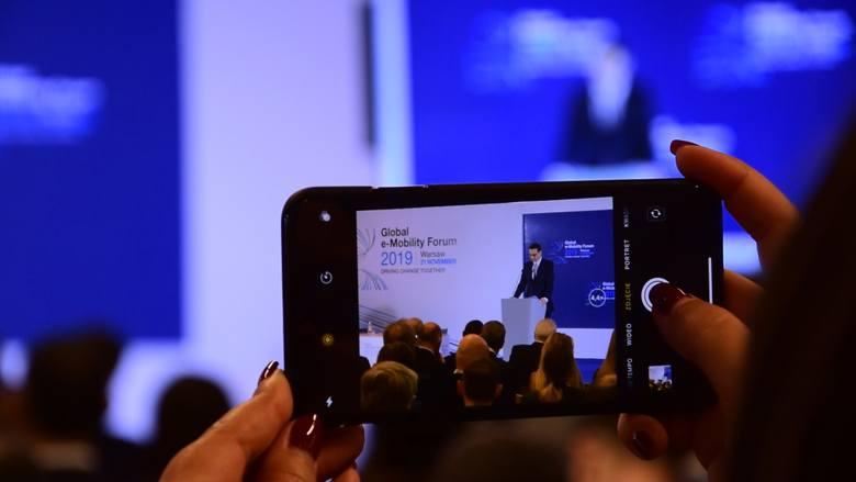 - Liczę że Global e-Mobility Forum pozwoli na wypracowanie nowych rozwiązań i idei będących odpowiedzią na wyzwania mobilności jutra– powiedział Mor