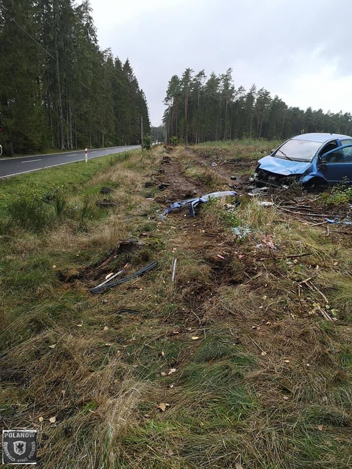 W środę do wypadku drogowego doszło na drodze wojewódzkiej 206. Między miejscowością Nacław - Kościernica auto wypadło z drogi. Jak czytamy na profilu