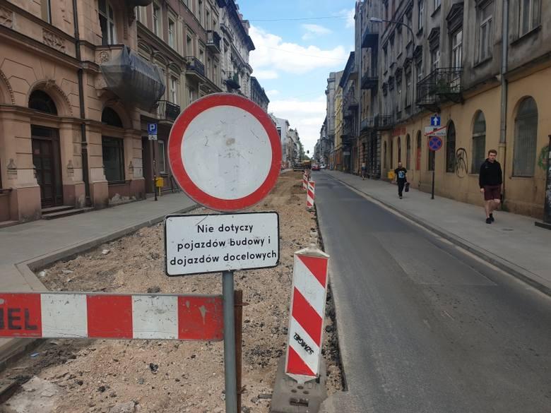 Zamknęli kolejne ulice w centrum Łodzi. Będą korki. Zmiany też w komunikacji miejskiej