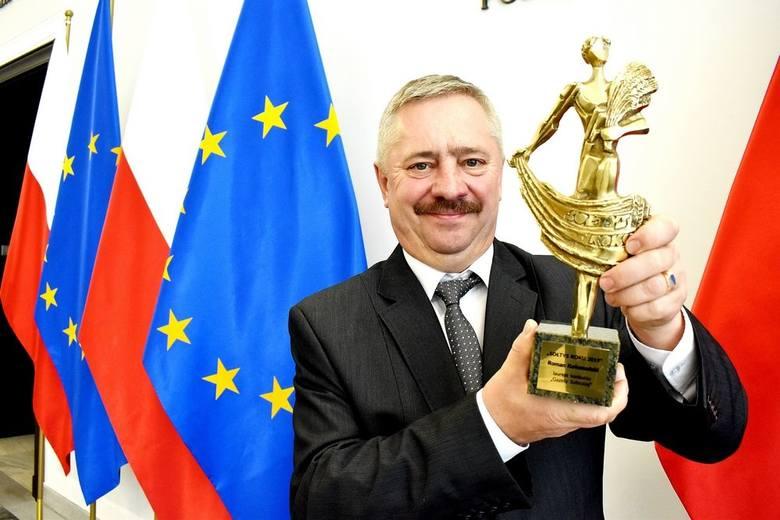 Roman Kołomański z Ciekot Sołtysem Roku 2019. Nagrodę odebrał w Senacie [ZDJĘCIA]
