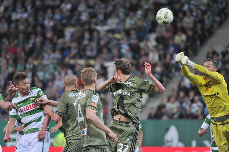 """Od dawien dawna w polskiej piłce nożnej istnieje spór o to, który region jest najlepszy, który ma najlepsze drużyny. Były takie okresy, że """"rządził"""""""