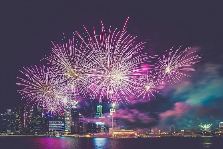 Życzenia noworoczne 2020 to tradycja warta kultywowania. Pokaż bliskim, że o nich pamiętasz i chcesz dla nich jak najlepiej. Złóż życzenia na Nowy R