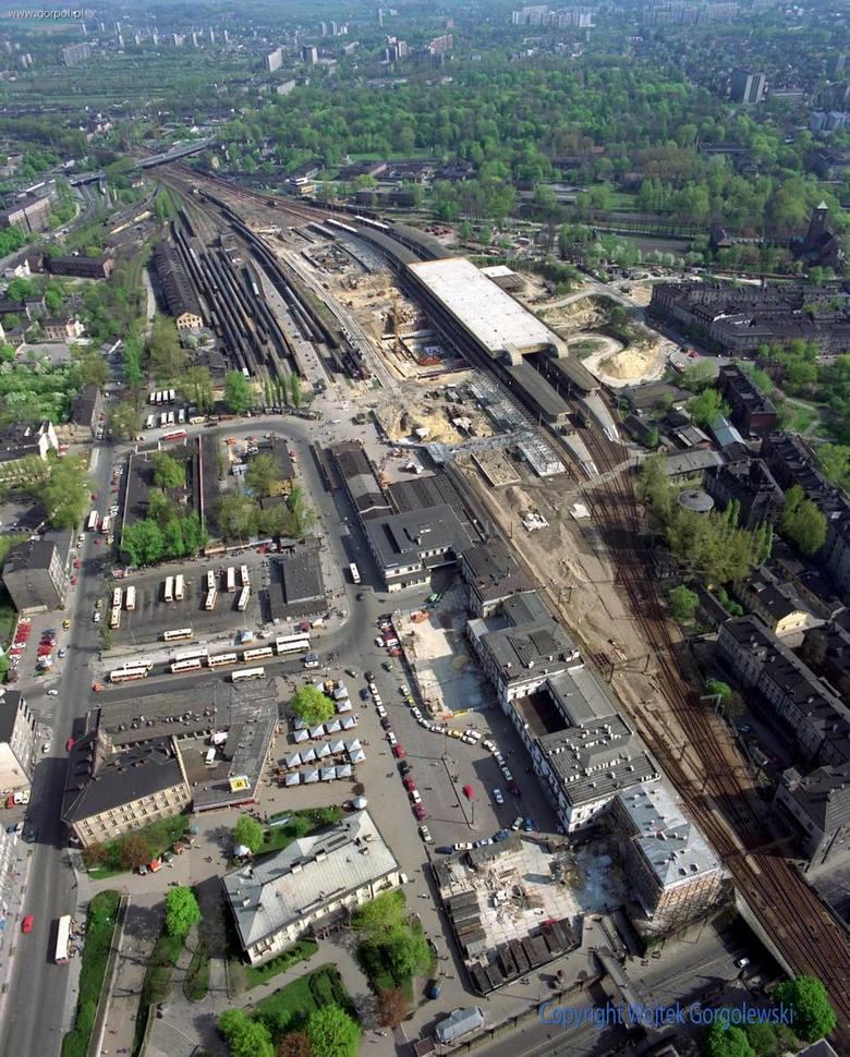 Podróż do przeszłości. Jak zmieniały się okolice Dworca Głównego w Krakowie?