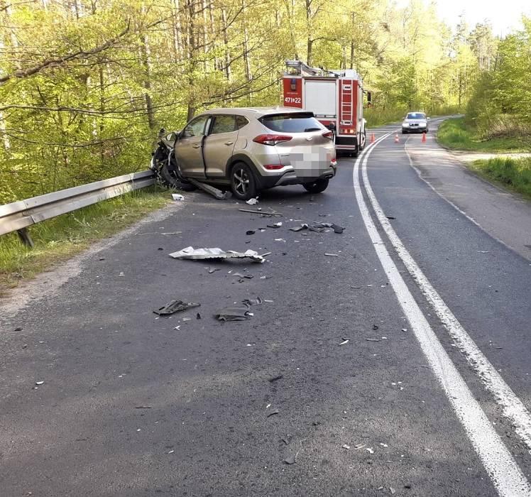 We wtorek po godz. 6.00 dyżurny Komendy Powiatowej Policji w Lęborku otrzymał zgłoszenie dotyczące zdarzenia drogowego w Osowie Lęborskim na drodze wojewódzkiej