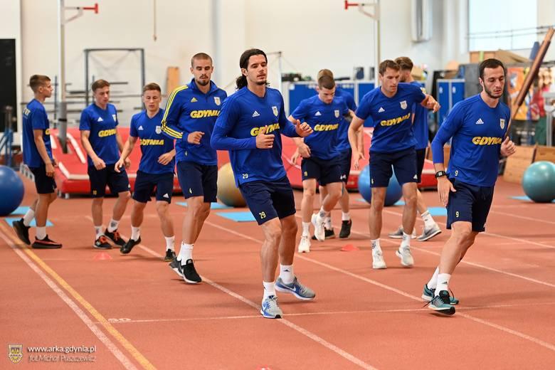 Arka Gdynia do meczu z Łódzkim Klubem Sportowym przygotowuje się na obiektach przy ul. Olimpijskiej.