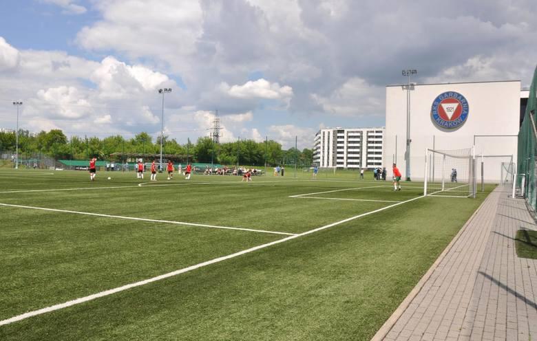 W planach jest budowa nowego stadionu Garbarni w rejonie ul. Konopnickiej. Na razie powstał tam budynek klubowy. Docelowo mają powstać nowe zadaszone