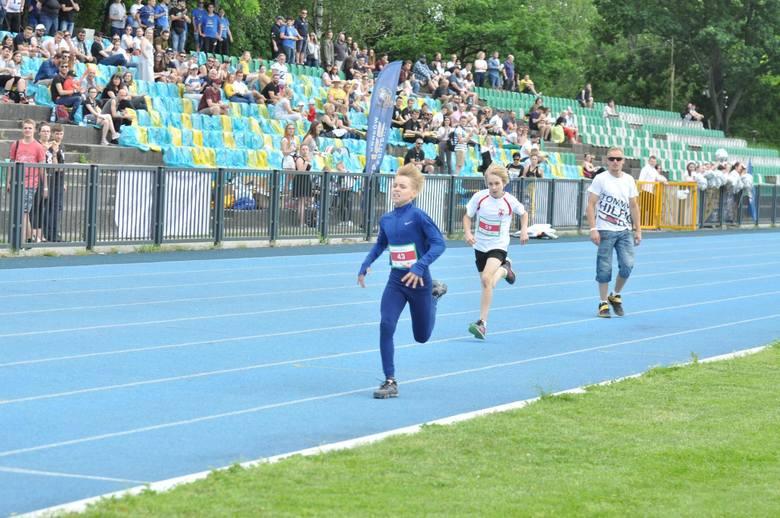 Na stadionie Wawelu Kraków położono nowoczesną bieżnię lekkoatletyczną. Dla potrzeb igrzysk trzeba byłoby jednak wybudować nowe trybuny na ok. 4,5 tys.