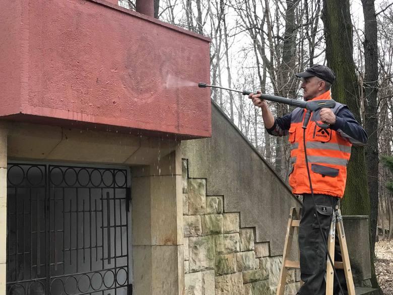 Rozpoczęło się czyszczenie Kalwarii Panewnickiej w Katowicach