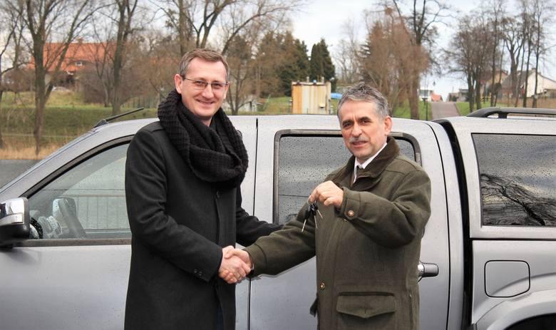 - Nie kryję zadowolenia. Taki samochód był nam potrzebny - podkreśla Andrzej Sieradzki, dyrektor Nadgoplańskiego Parku Tysiąclecia w Kruszwicy.Podczas