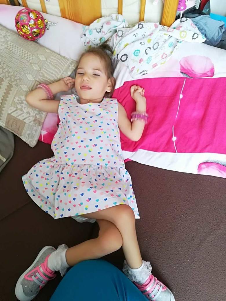 Pomóżmy wyremontować dom chorej Oliwki ze Stąporkowa! Dziewczynka walczy o lepsze życie (WIDEO)