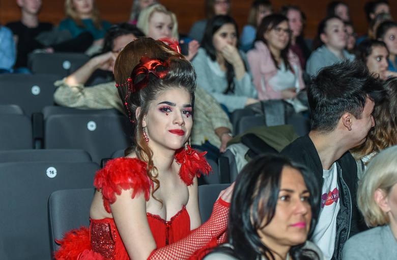 W środę, 7 marca, w bydgoskim MCK odbył się VII Konkurs o Statuetkę Bydgoskiej Łuczniczki.Ogólnopolski konkurs fryzjerski (przyjechali uczniowie ze szkół