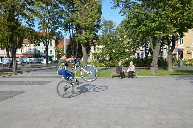 """Skawina. Odwołano """"Rowerowy Maj"""". Akcja zachęcała do jazdy rowerami. Coraz więcej rodziców nimi z dziećmi jeździło do szkół i przedszkoli."""