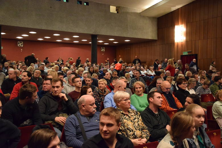 Częstochowa: Premiera filmu o drugiej wojnie światowej przyciągnęła tłumy do klubu Politechniki