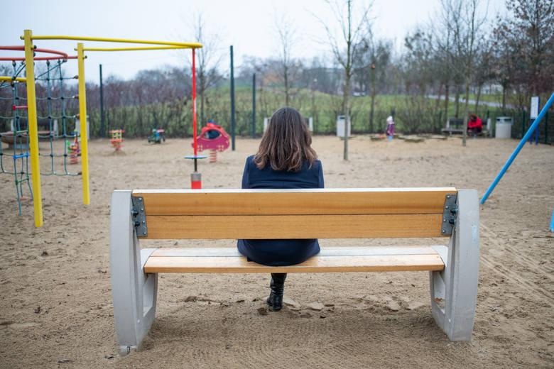 Ewa od stycznia czeka aż dzieci wrócą do domu. Biegli i sąd stanęli po jej stronie wskazując, że dzieci mają wrócić do niej. Ale jej mąż, biegły sądowy,