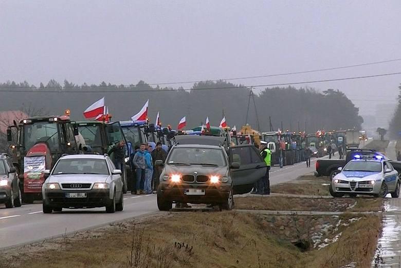 Protest rolników. Takie maszyny pojechały do Warszawy (zdjęcia, wideo)