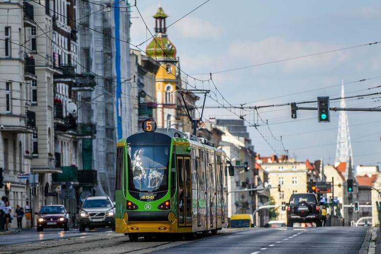 Przygody, jakie można przeżyć podczas podróży komunikacją miejską mogą być interesującym materiałem nie tylko do badań socjologicznych
