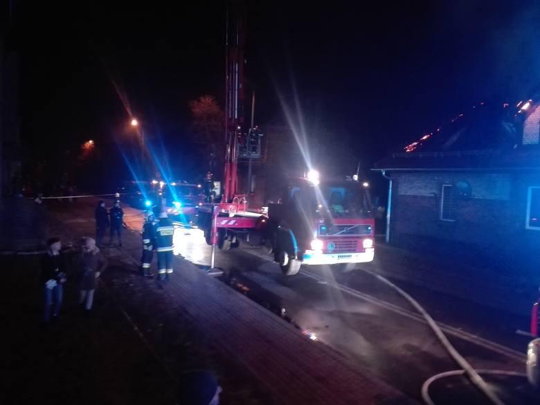 Pożar w Czerwionce-LeszczynachZobacz kolejne zdjęcia. Przesuwaj zdjęcia w prawo - naciśnij strzałkę lub przycisk NASTĘPNE