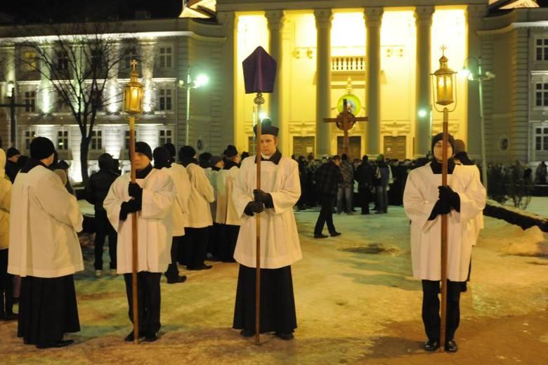 Droga Krzyżowa przeszła ulicami Bydgoszczy. Zobacz zdjęcia!