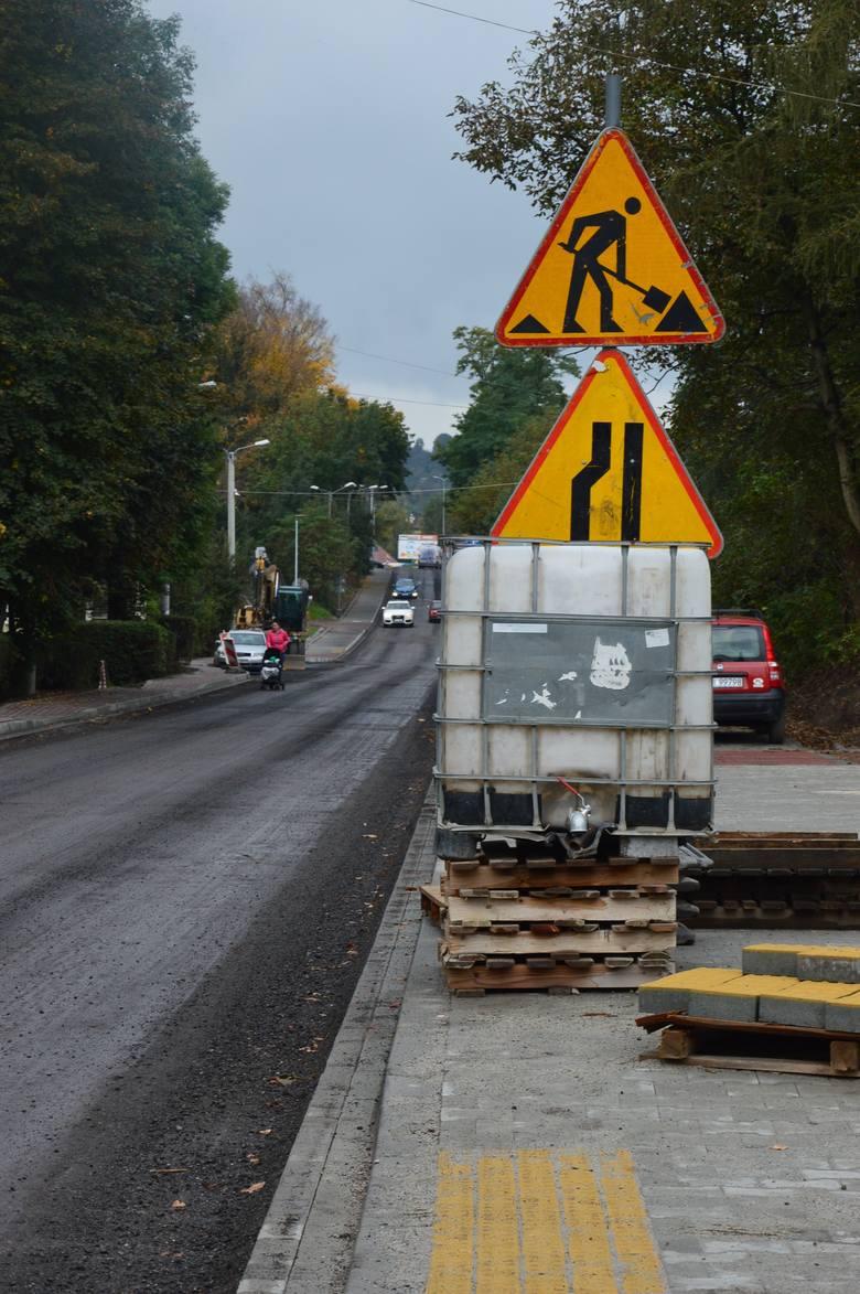 Dłuższe utrudnienia na wjeździe do Wieliczki. Przebudowa ulicy Kościuszki blisko finału [ZDJĘCIA]