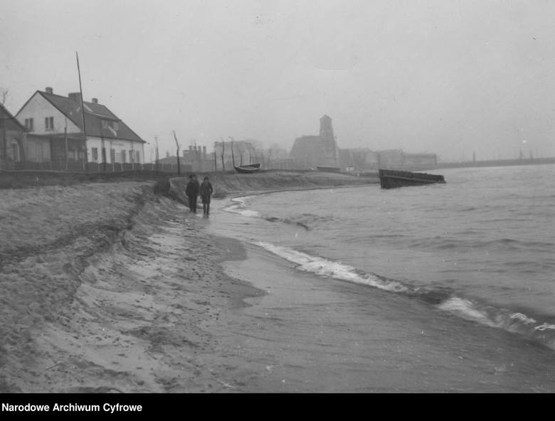 Hel, 1935Hel, domy u wybrzeża morza Bałtyckiego.