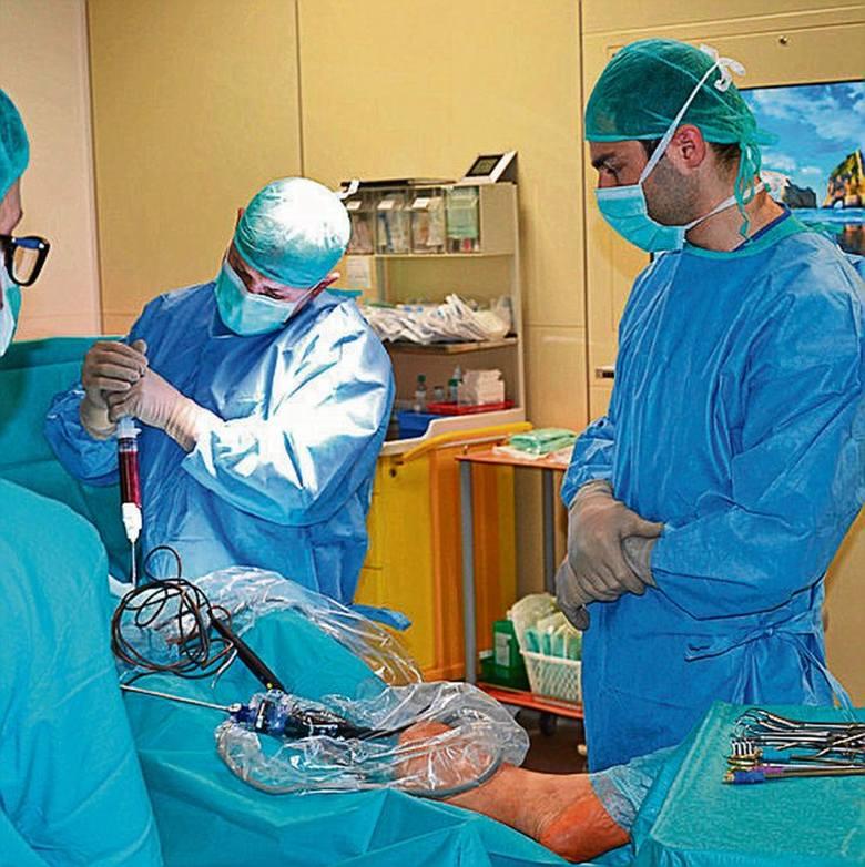 Lekarze z Brzezin do naprawy kości  wykorzystali... spray