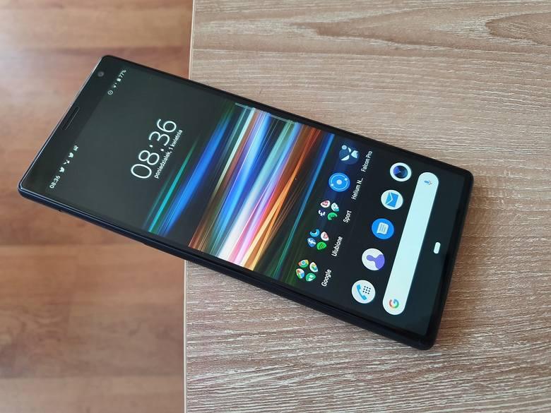 Xperia 10 Plus z panoramicznym ekranem. Czy smartfon Sony jest dobrym wyborem wśród urządzeń ze średniej półki cenowej? Test i recenzja