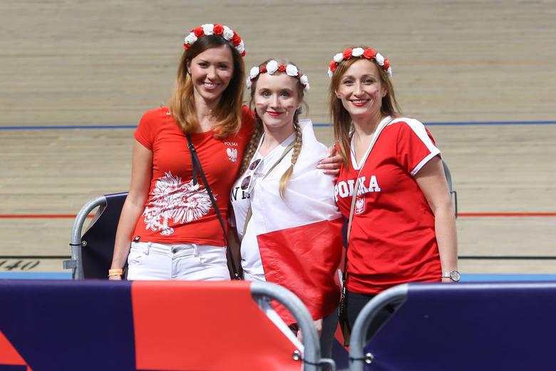 Mistrzostwa Europy siatkarzy. Reprezentacja Polski wygrała z Hiszpanią 3:0 i awansowała do ćwierćfinału mistrzostw Europy. W hali w Apeldoorn, podobnie