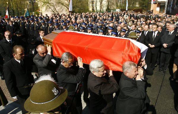 Pogrzeb posla Leszka DeptulyUroczystości pogrzebowe posla Leszka Deptuly, który zginąl w katastrofie lotniczej w Smolensku.