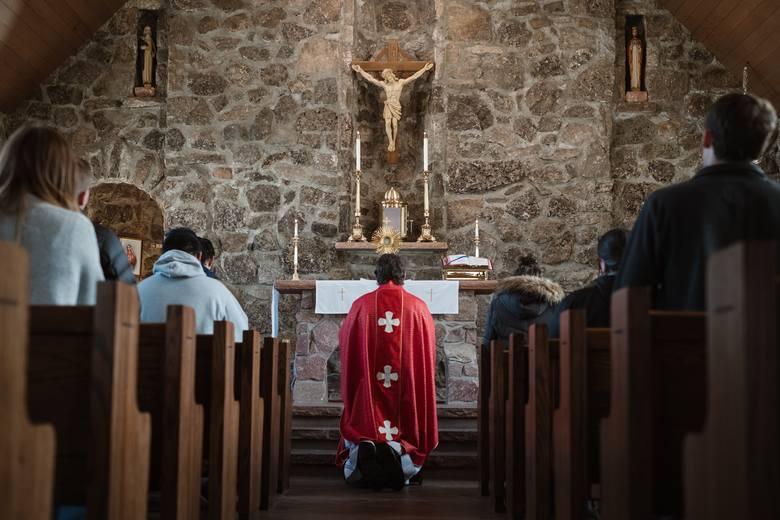 Życzenia dla księdza potrafią przysporzyć niemały kłopot, tymczasem czy to imieninowe, czy urodzinowe, na Wielki Czwartek, czy z jeszcze innej okazji,