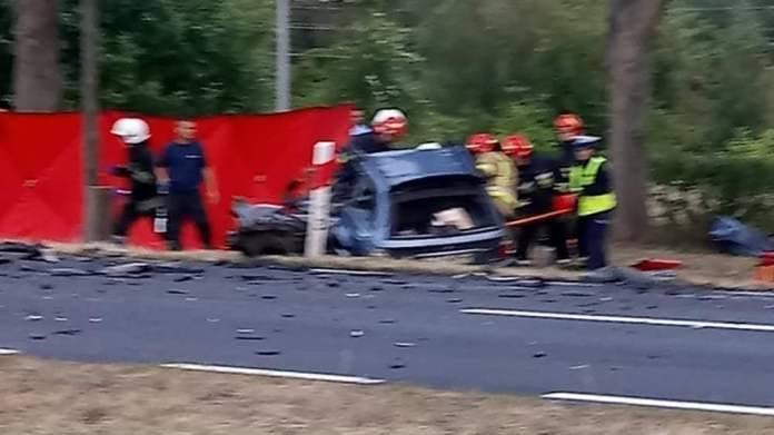 Wypadek miał miejsce wtorek, 9 lipca, na trasie Pław-Gronów koło Krosna Odrzańskiego. Bmw zderzyło się z cysterna. Zginęły dwie osoby.Do śmiertelnego