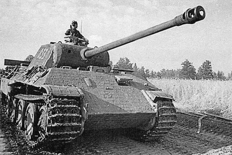 """Niemiecki czołg PzKpfw  V """"Panther"""" w Polsce znany jako """"Pantera"""""""