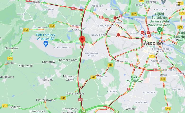 Gigantyczny korek na Autostradowej Obwodnicy Wrocławia po wypadku przy stadionie [ZDJĘCIA]