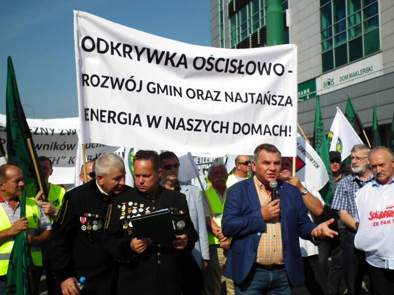 Pod siedzibą Regionalnej Dyrekcji Ochrony Środowiska w Poznaniu protestowali już górnicy z Konina w 2016 roku, którzy boją się utraty pracy w związku z zapowiadanym zamknięciem kopalni Adamów