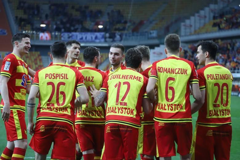 Punkty: 689Sezony: 17Mistrzostwa Polski: 0Zwycięstwa: 196 (171 za 3 punkty)Bilans bramek: -105Lata gry: 1987–1990, 1992–1993, 2007–teraz