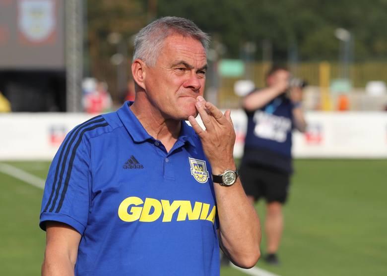 Jacek Zieliński - teraz albo nigdyTrener Jacek Zieliński nie należy do konfliktowych trenerów, więc raczej piłkarze nie będą grali przeciwko niemu. Jeśli