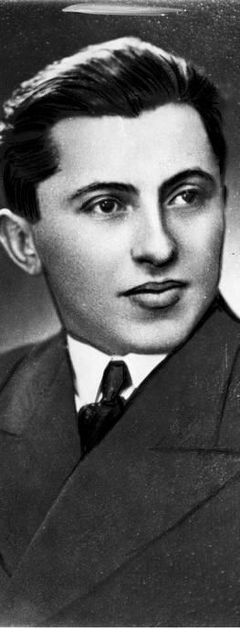 """Polscy kandydaci na """"żywe torpedy"""". Szer. rezerwy (i pracownik fabryki wędlin na Pradze) Leon Lutostański. Do wykorzystania tych ochotników nigdy nie doszło"""