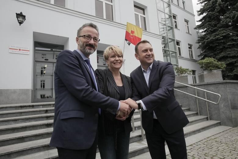 """Na wypłatę """"trzynastek"""" w Urzędzie Miasta Łodzi zostało przeznaczone ponad 8 mln zł. Pieniądze te zostały podzielone między 2208 pracowników magistratu."""