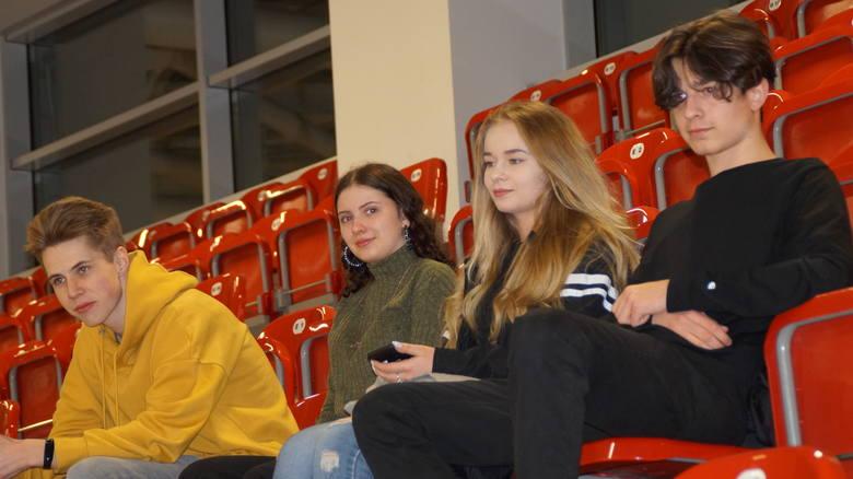 Siatkarki KSZO Ostrowiec Świętokrzyski przegrały dzisiaj we własnej hali z drużyną Galeria Jurajska Częstochowianka Częstochowa 0-3 (10-25, 18-25, 19-25).
