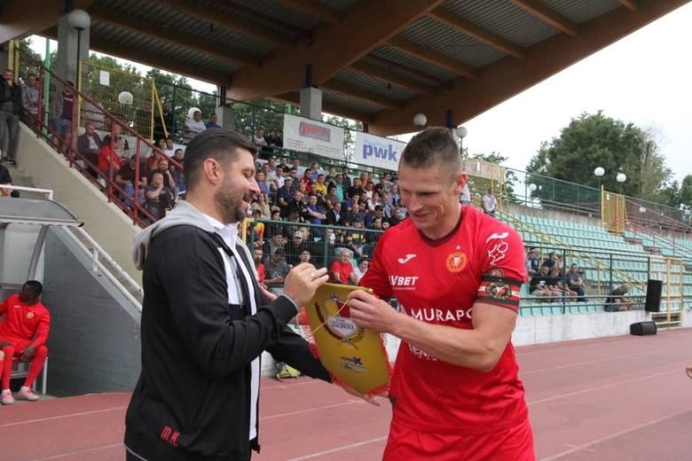 Piłkarska II liga. Widzew - Garbarnia. Ciekawy pojedynek trenerów na łódzkim stadionie