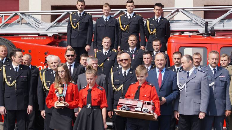 Kłobuck: Dzień strażaka 2016. Były awanse i nagrody