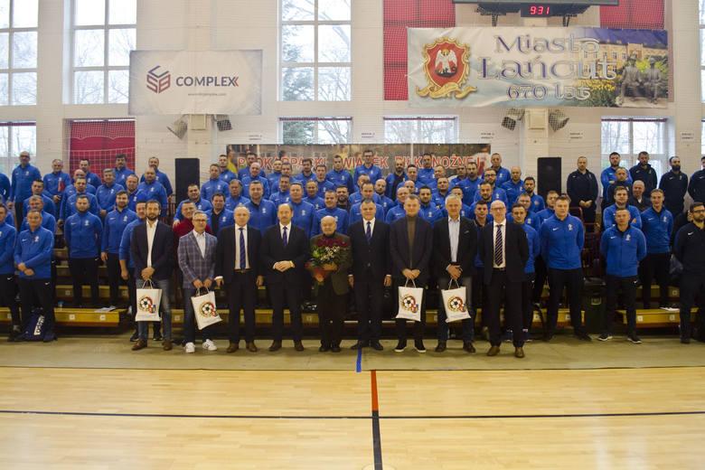 Podkarpacki Związek Piłki Nożnej zorganizował kolejną Kursokonferencję Szkoleniową i po frekwencji można przyjąć ze sporą dozą pewności, że trenerzy