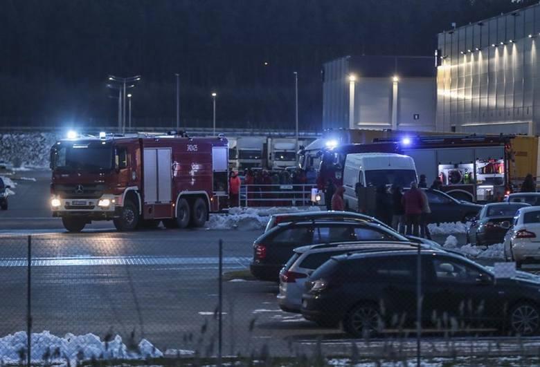 W piątek, 8 lutego, zielonogórska straż pożarna został wezwana do jednej z fabryk w strefie ekonomicznej w Starym Kisielinie. Z fabryki ewakuowano ok.