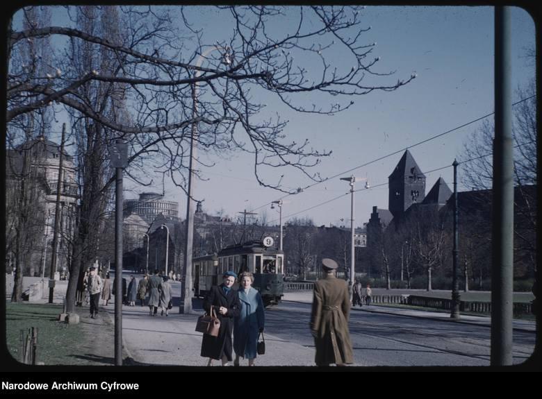 W kwietniu 1959 roku Polskę odwiedził architekt Mogens Torsleff. Wysłannik rządu amerykańskiego był między innymi w Poznaniu. To dzięki niemu możemy