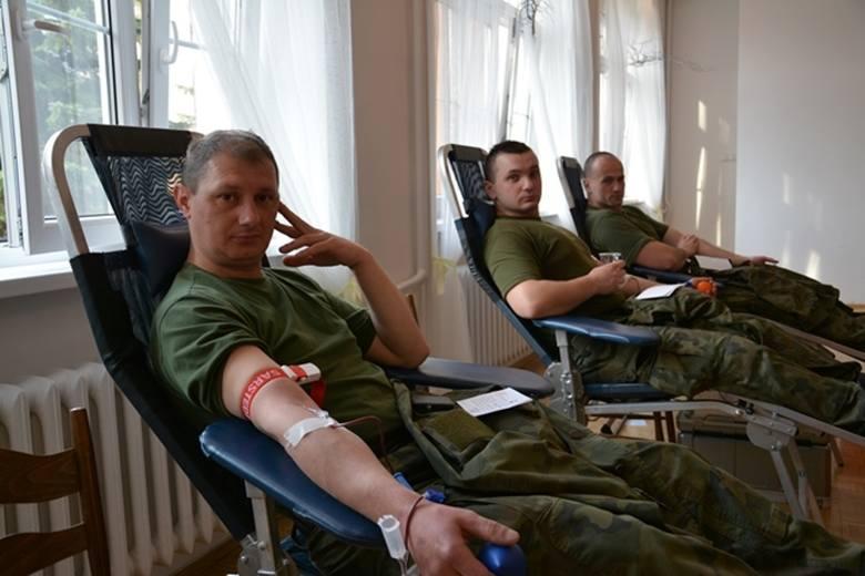 W piątek,13 kwietnia, sulechowscy artylerzyści oddali ponad 15 litrów krwi podczas otwartej akcji honorowego krwiodawstwa. Ta była przeprowadzona w Klubie