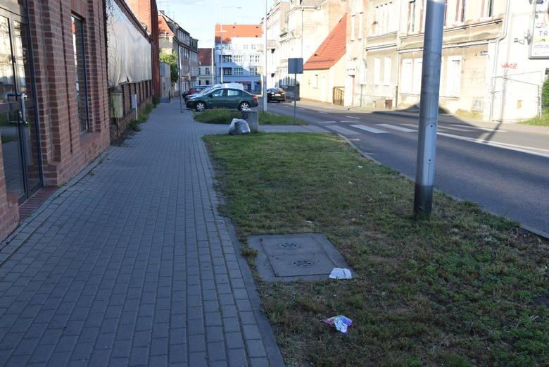 Sprawdziliśmy w weekend. Ulice, o których wspomina nasza Czytelniczka, wyglądają już nieco lepiej. Gdzie w Zielonej Górze przydałoby się porządna akcja