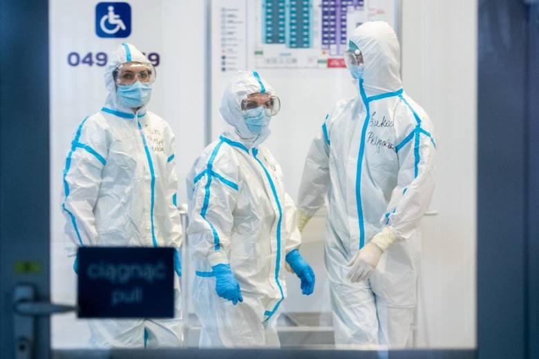 Będzie kolejny lockdown? W środę, 3. marca 2021 potwierdzono niemal 16 tysięcy nowych przypadków zakażenia koronawirusem. To najwięcej w tym roku, a