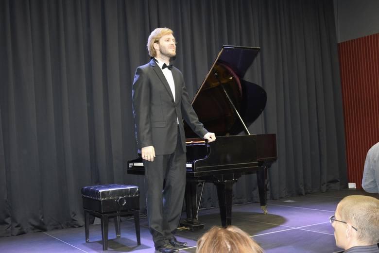 W sobotę, 21 września w Muzeum Historycznym Skierniewic odbył się koncert z cyklu Mistrzowie fortepianu. Jan Przepałkowski wykonał utwory Fryderyka Chopina, Siergieja Rachmaninowa, Wolfganga Amadeusza Mozarta i Franciszka Liszta.