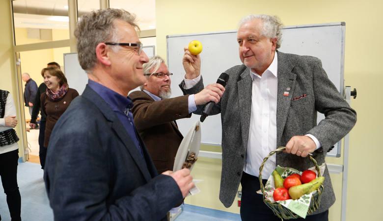 W czwartek Rzeszowie otwarto biuro Podkarpackiego KOD-u. Wśród zaproszonych gości był prof. Andrzej Rzepliński.Biuro Podkarpackiego KOD-u mieści się